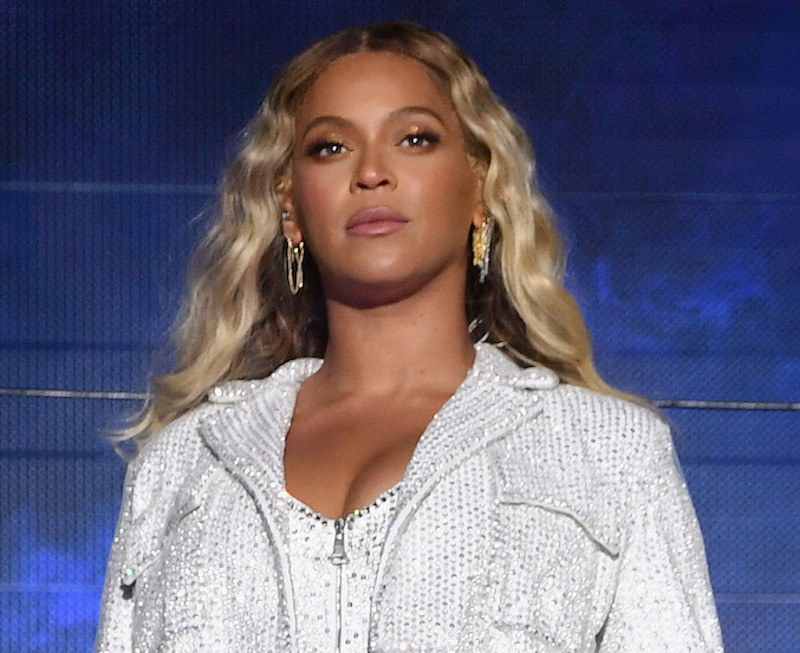 beyoncé just shut down pregnancy rumors again hellogiggles