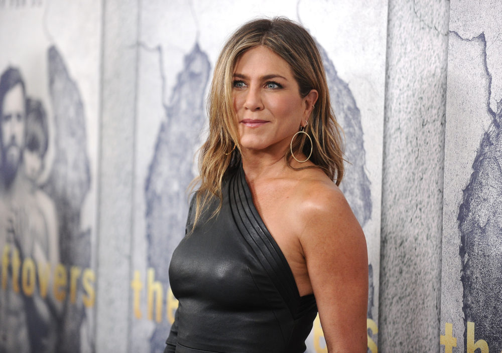 "Jennifer Aniston addressed all the ""broken heart"" post-divorce rumors in the most Jennifer Aniston way possible"