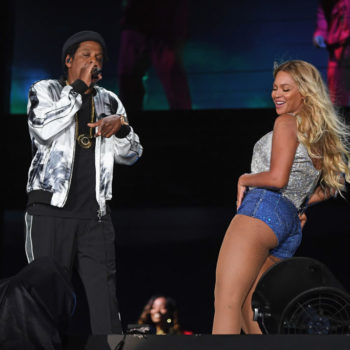 A random person jumped on stage to meet Beyoncé and Jay-Z during the <em>On the Run II</em> tour, and the video is so scary