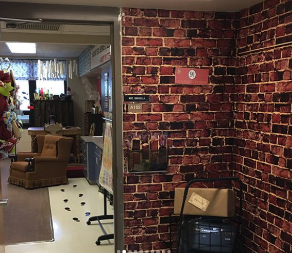 This third-grade teacher turned her classroom into Hogwarts, and accio tissue because we're sobbing