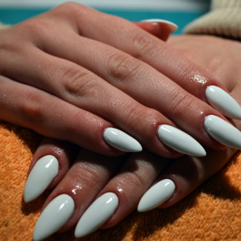 6 tips you need to know before you get acrylic nails