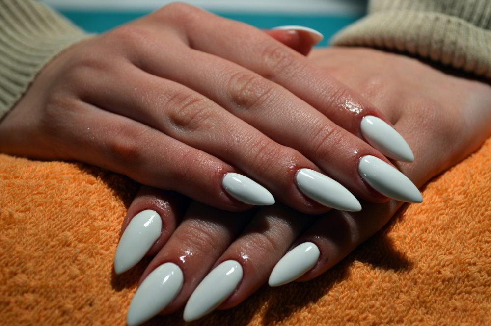 6 Things You Should Know Before You Get Acrylic Nails