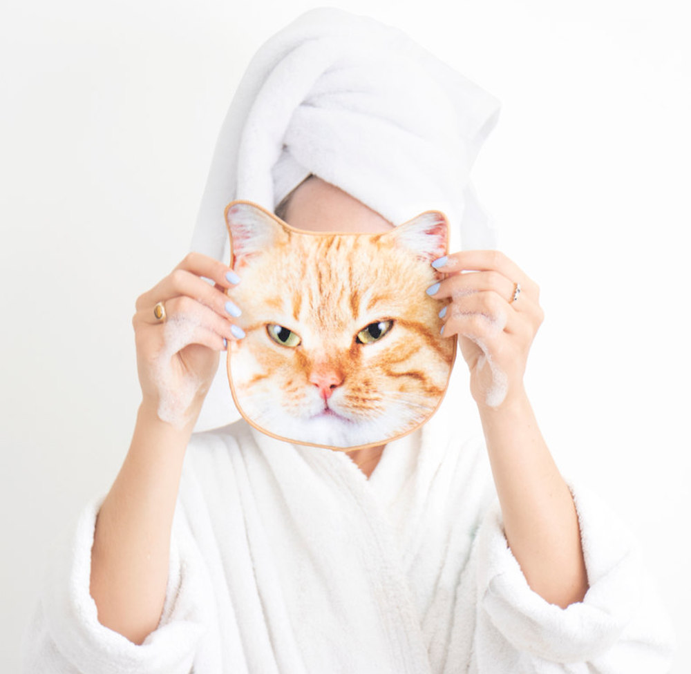 Cat-printed face towels exist, and washing your makeup off will feel less like a chore