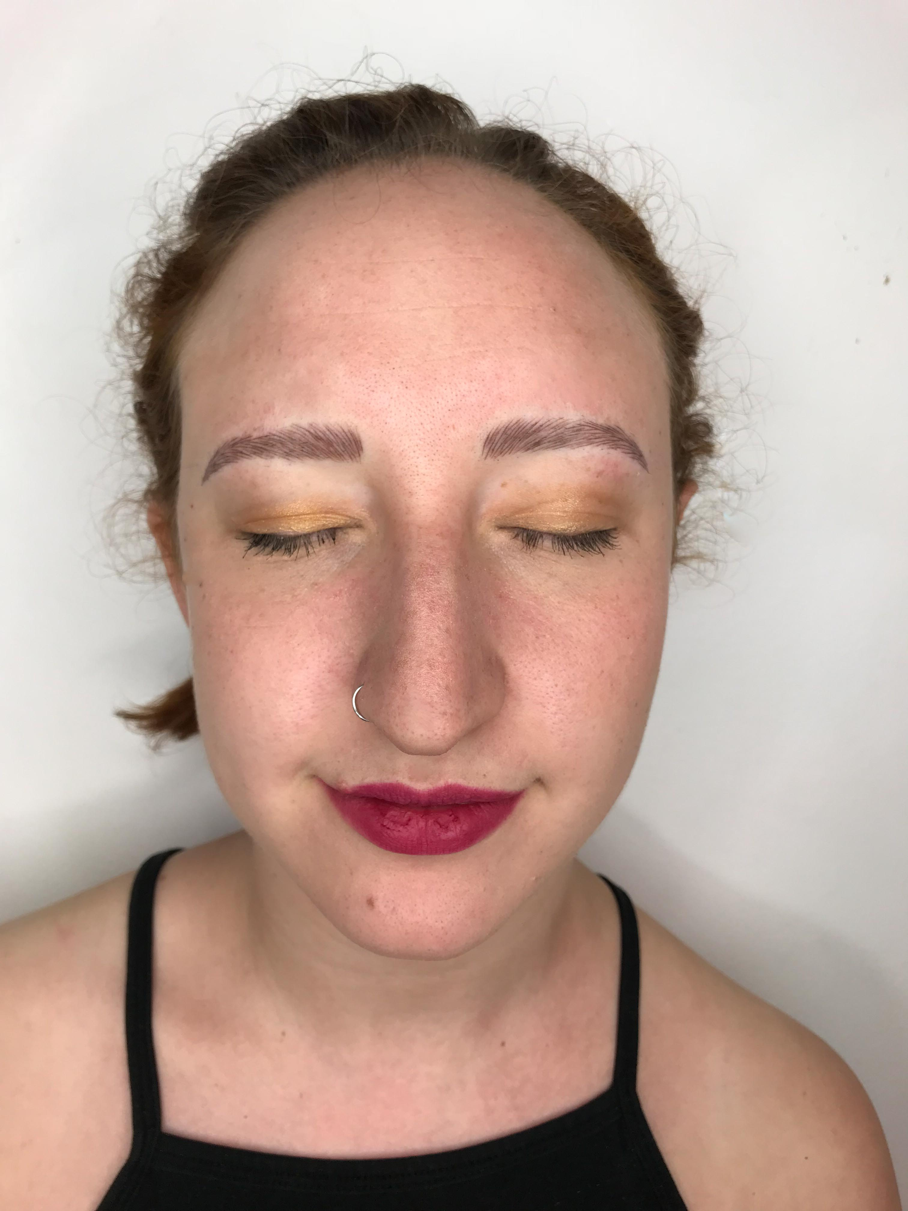 How Microblading Helped With My Trichotillomania Hellogiggles