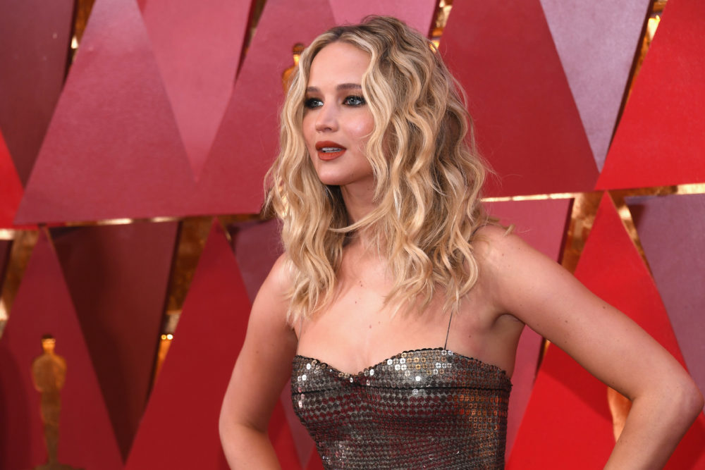 "Jennifer Lawrence says she wants more celebrities to be ""honest"" about dieting"