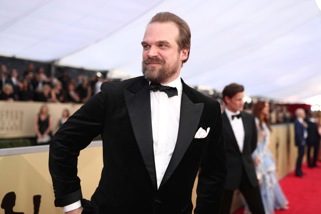 David Harbour finally officiated that fan's wedding he tweeted about nine months ago