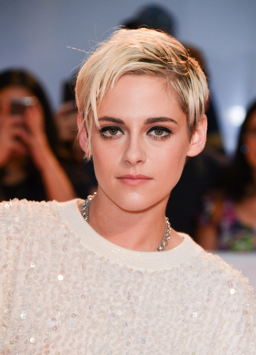 Kristen Stewart Debuts Blonde Hair And Pixie Cut Hellogiggles