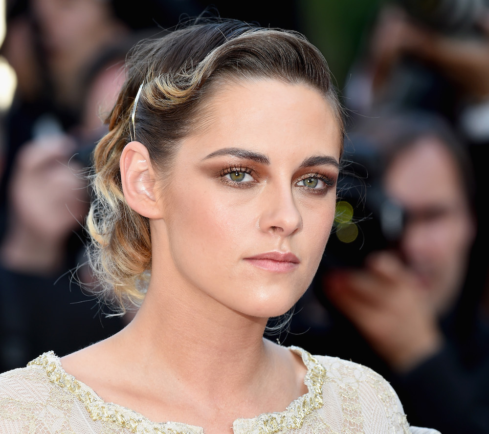 Kristen Stewart's blonde pixie cut is giving us French New Wave actress vibes