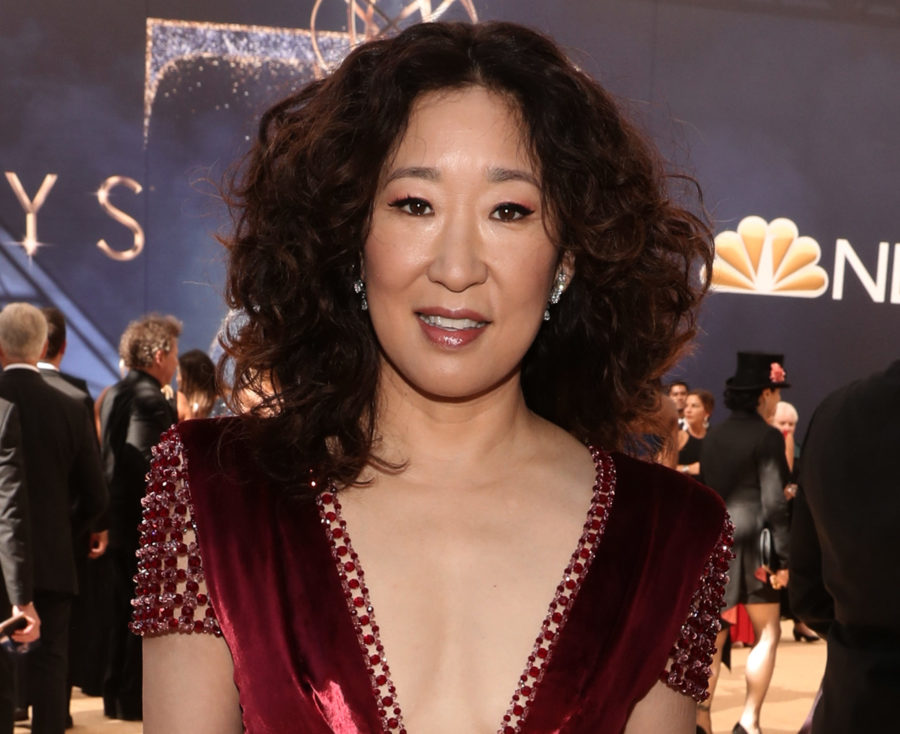 Sandra Oh looks like a chic red envelope at the 2018 Emmys
