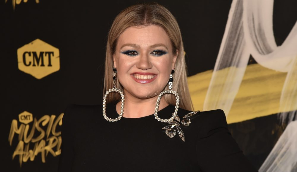 In best news ever: Kelly Clarkson is getting a daytime talk show