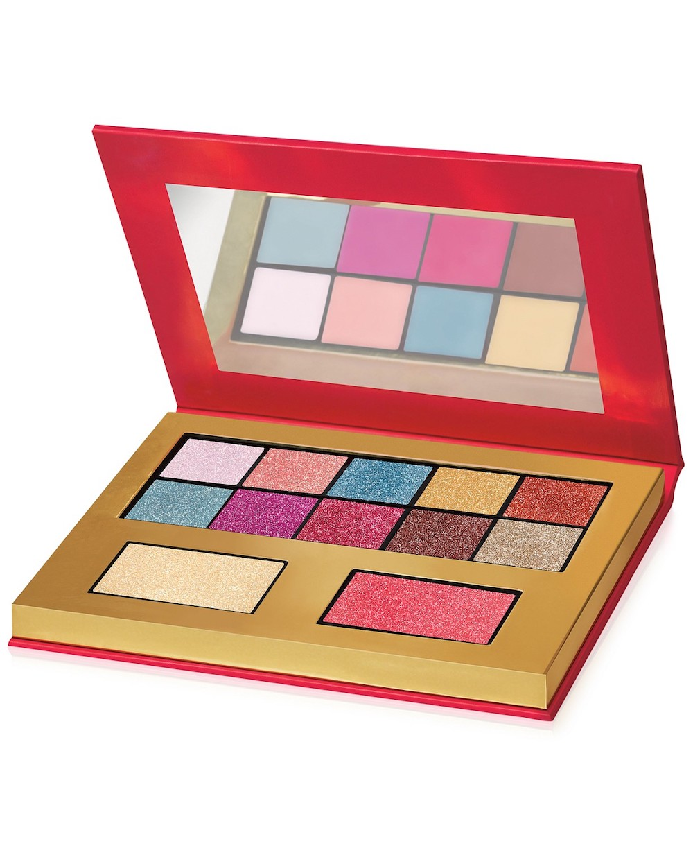069be6cccda6 Juicy Couture Launched A Makeup Line At Macy s - HelloGiggles