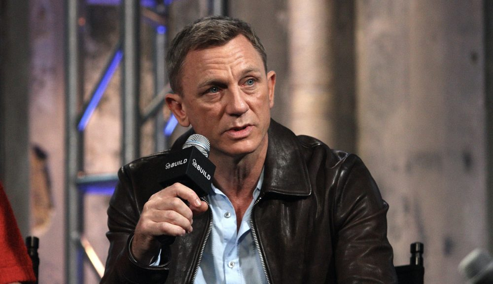 "A conservative pundit called Daniel Craig ""emasculated"" for carrying his own child, and Twitter is not happy"