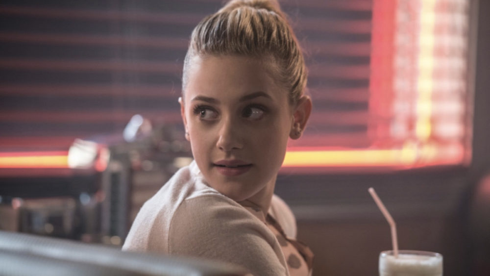 Lili Reinhart is unrecognizable as young Alice in these <em>Riverdale</em> flashback pics