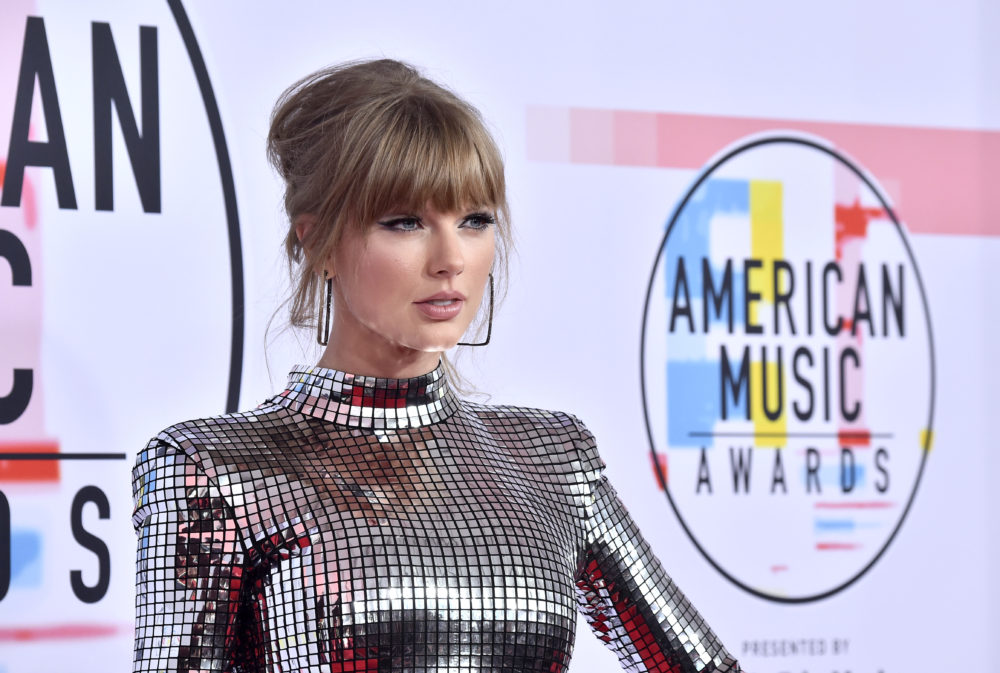Taylor Swift just got political again on Insta, and everyone should read this