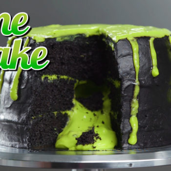 This Halloween cake oozes green slime from its center, and it's so satisfying to watch