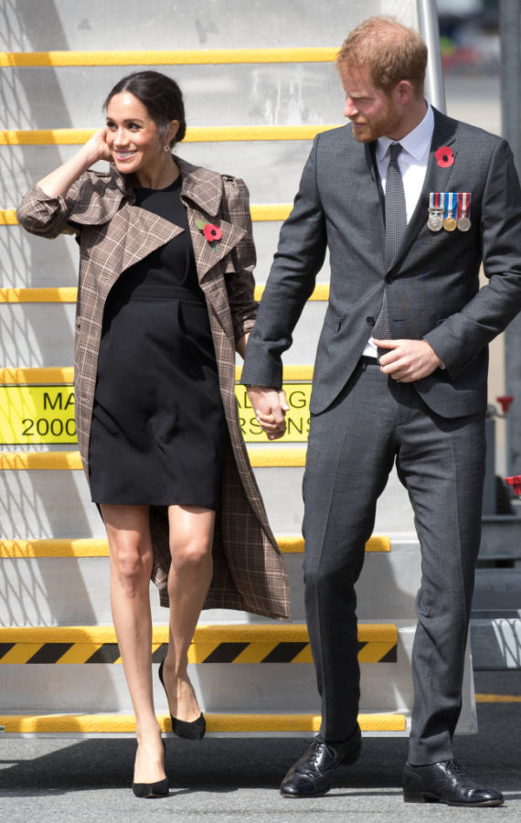 bf83cc343af52 Meghan Markle Wore An Affordable Maternity Dress from ASOS ...