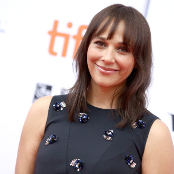 "Rashida Jones is developing the sitcom of your feminist dreams—and it's called ""Kevin Can F— Himself"""