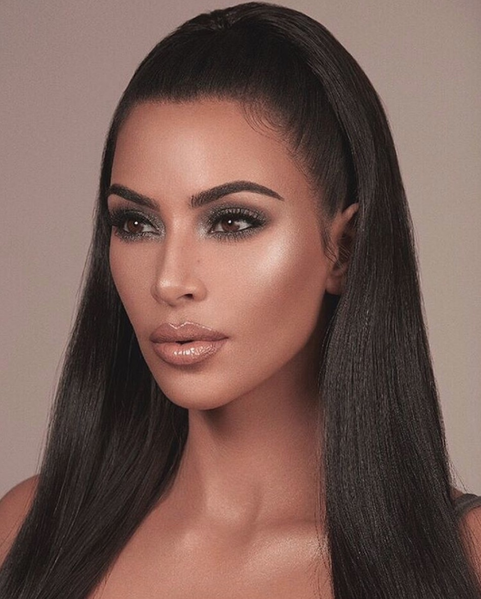 Kkw Beauty: The KKW Beauty Holiday Collection Launches On November 23