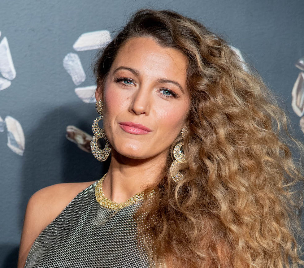 Blake Lively wore a throwback look that reminds us of early-00s Christina Aguilera