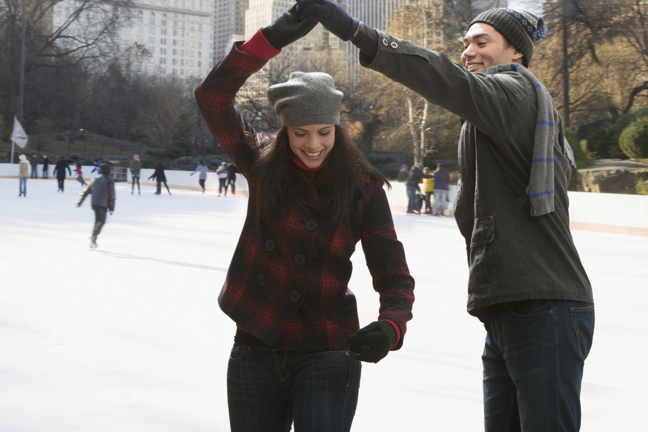 11 expert-recommended date ideas to try with bae this holiday season (that won't break the bank)