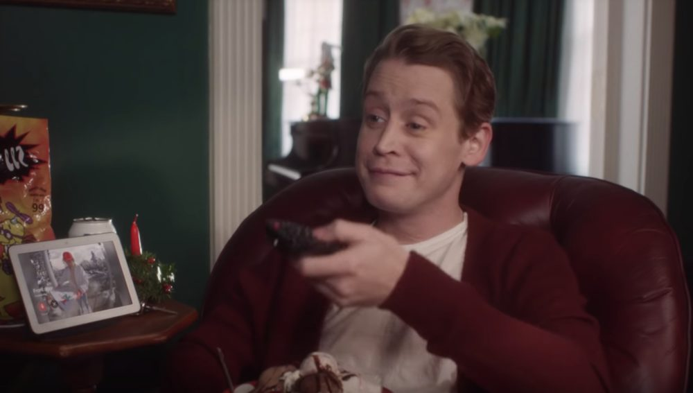 Twitter is still losing its mind over the new <em>Home Alone</em>-themed ad with grown-up Macaulay Culkin