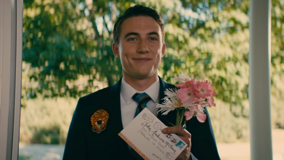 "Fans are already ""recasting"" John Ambrose in the <em>TATBILB</em> sequel—here are Twitter's top picks"