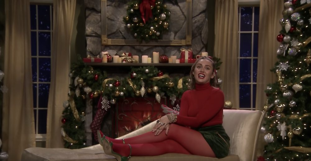 "Miley Cyrus sang a feminist AF rendition of ""Santa Baby"" on <em>Fallon</em>, and we're so here for this"