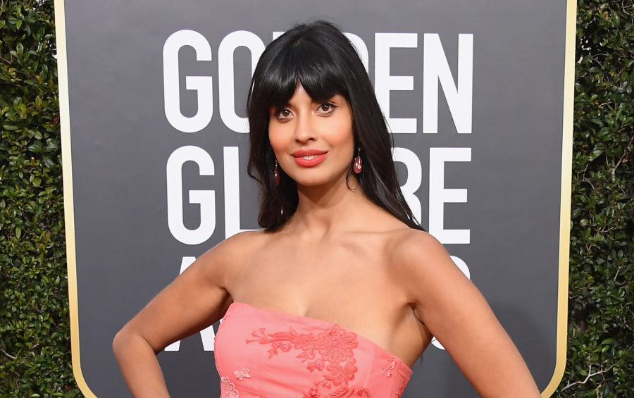 E! hilariously trolled <em>The Good Place</em> star Jameela Jamil on the 2019 Golden Globes red carpet