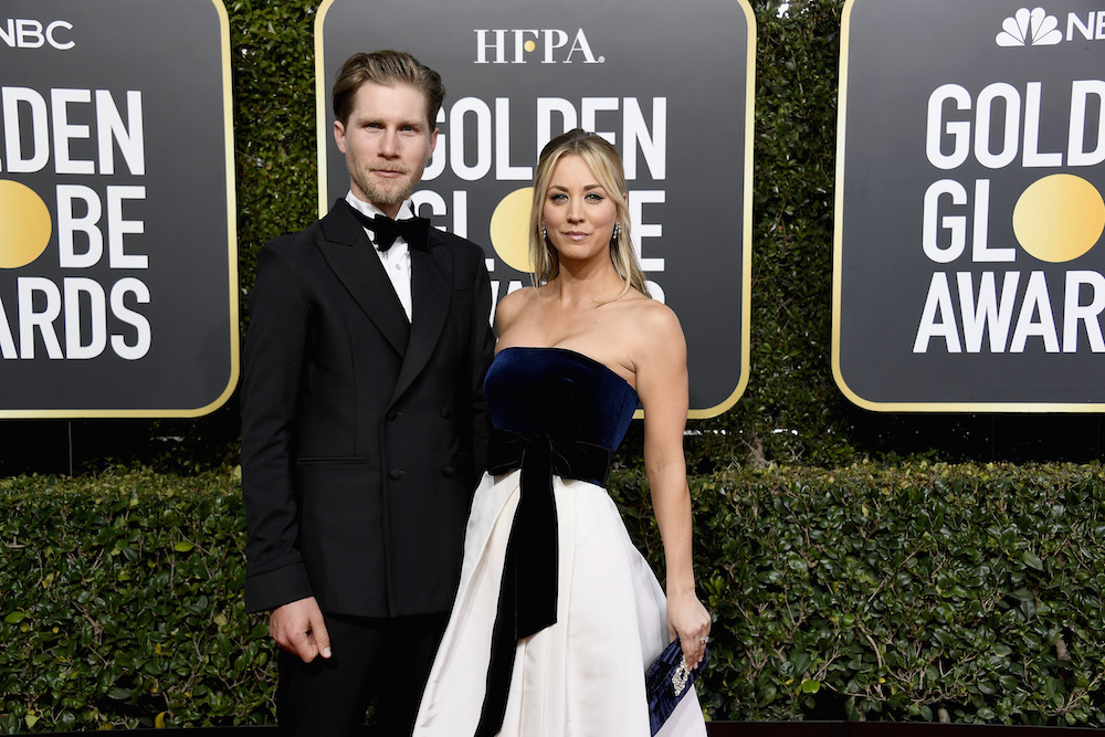 Kaley Cuoco Wears Dress With Pockets At 2019 Golden Globes