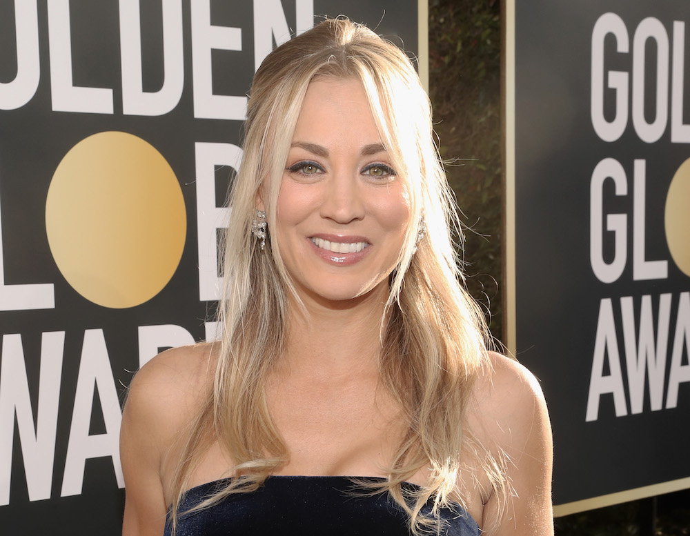 Kaley Cuoco appreciates the magic of a dress with pockets on the Golden Globes red carpet