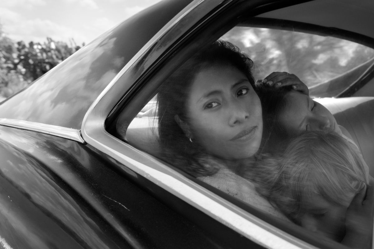 What is the Golden Globe-winning movie <em>Roma</em> about?