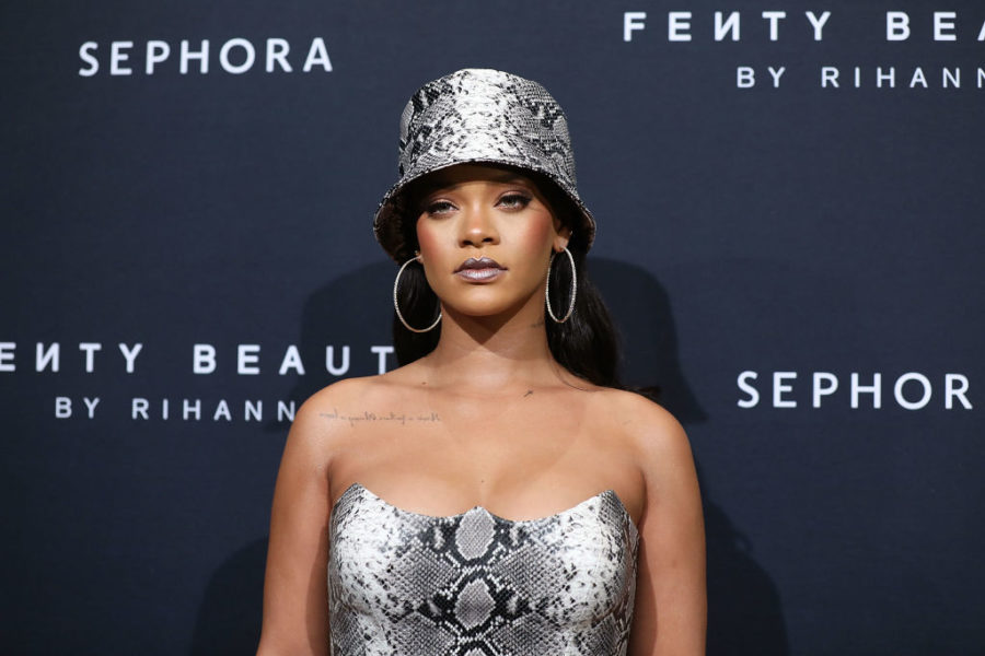 Rihanna is back in the studio to create new music, so Christmas just came early for fans
