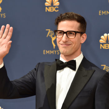Andy Samberg confirms that, yes, everyone at the Golden Globes is drunk and not paying attention
