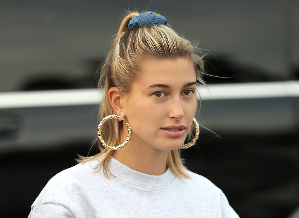 Hailey Bieber dyed her hair a bright bubblegum pink