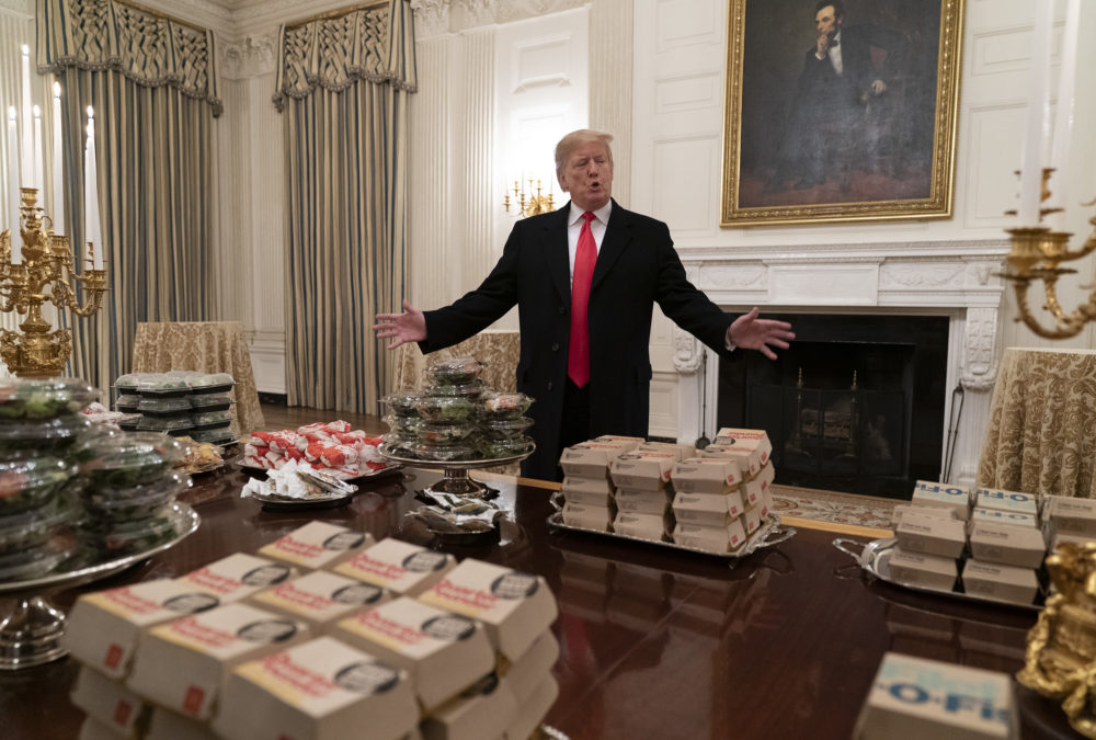 Twitter (rightfully) roasted the White House for serving fast food at an official dinner