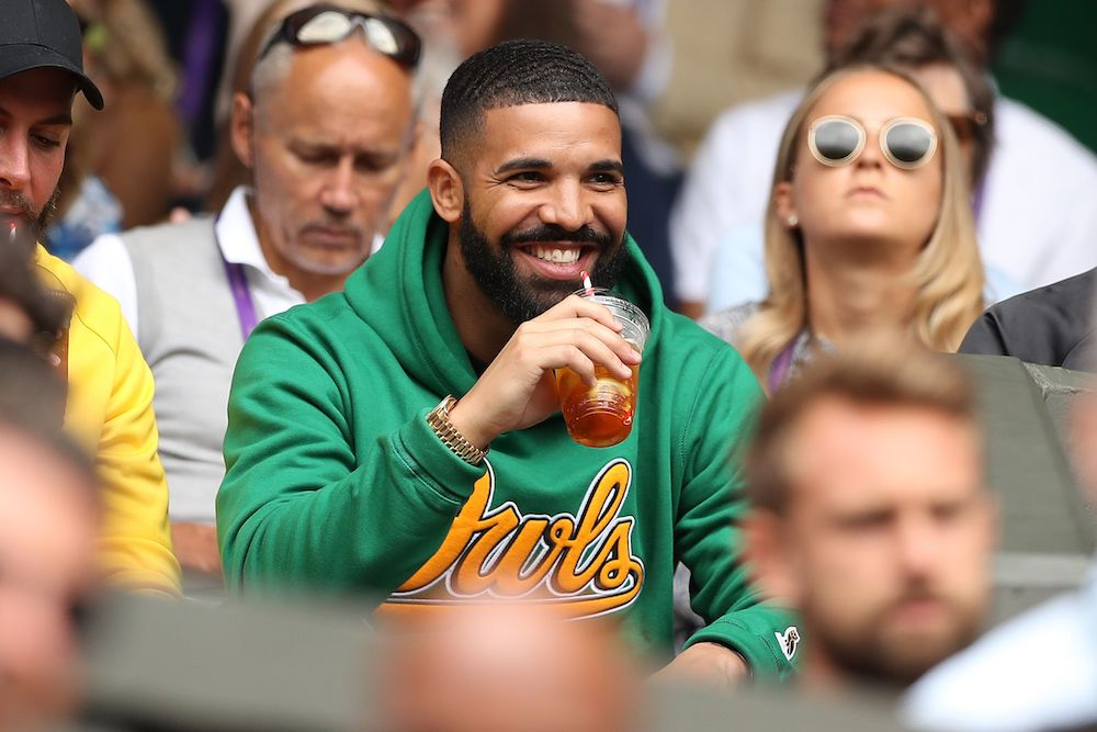 Drake walked into a McDonald's and gave two female employees $10,000 in cash