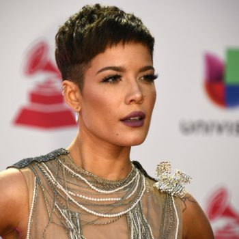 Halsey clapped back at pregnancy rumors with one perfect tweet