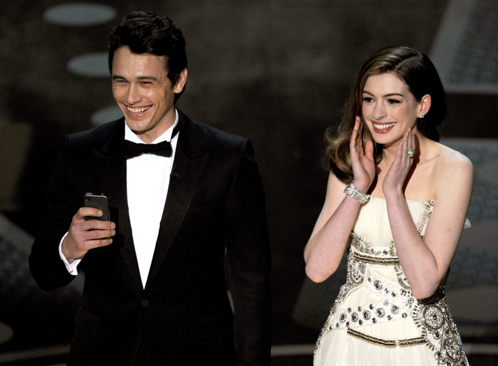 Anne Hathaway roasted her 2011 Oscars hosting gig so hard ahead of this year's show