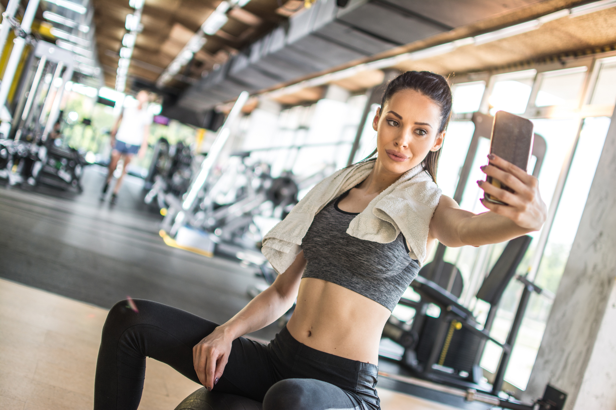 """Fitness trainers tell us the biggest lies about """"Instagram bodies"""""""