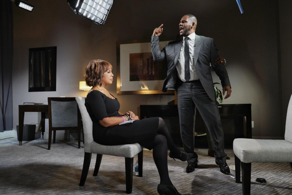 Gayle King revealed what she was thinking during R. Kelly's outrageous meltdown