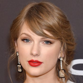 Taylor Swift admits that using a Sharpie as eyeliner was, uh, not her best choice