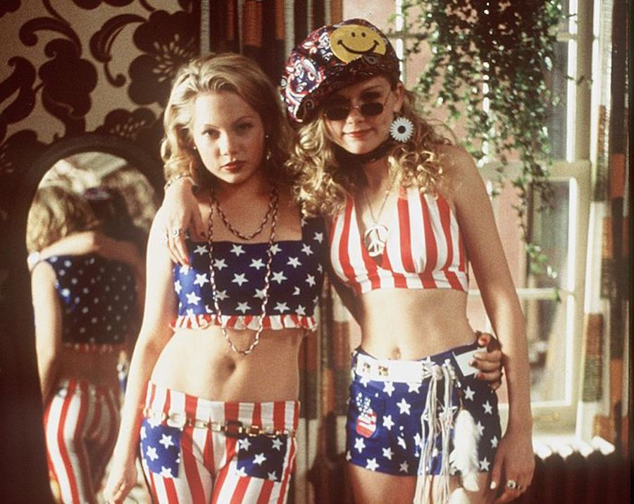 How '90s political comedy <em>Dick</em> used crimped hair and cookie recipes to show teen girls their power