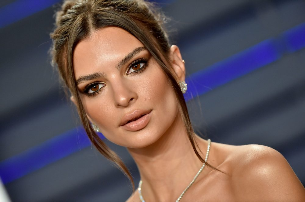Emily Ratajkowski defended her friend from body-shamers after she posted a bikini pic of them together
