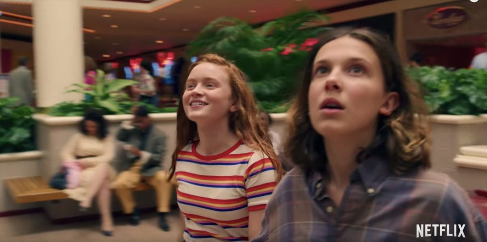 Twitter is obsessed with this feminist moment from the <em>Stranger Things</em> Season 3 trailer