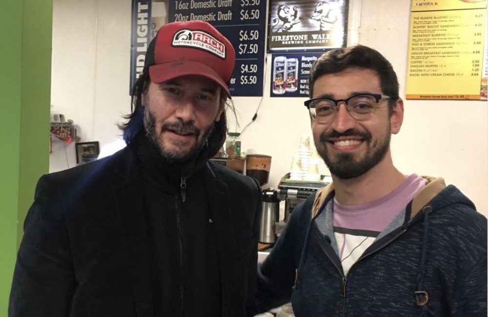 Keanu Reeves, true hero, helped coordinate a bus for his fellow passengers after an emergency landing