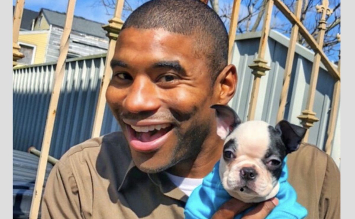 This UPS guy takes pictures with the doggos on his route, and now his Instagram account has gone viral