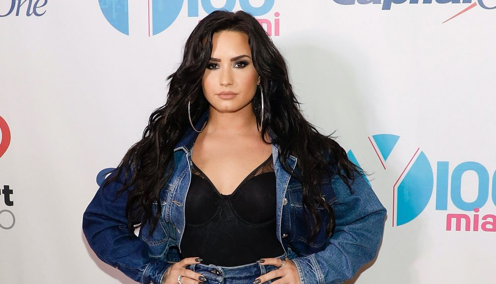 "Demi Lovato gave a fierce clapback after a headline described her as ""fuller figure"""