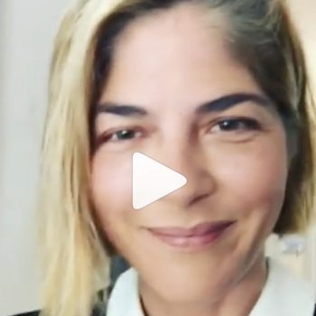 """Selma Blair posted an """"MS makeup tutorial,"""" and it's perfect"""