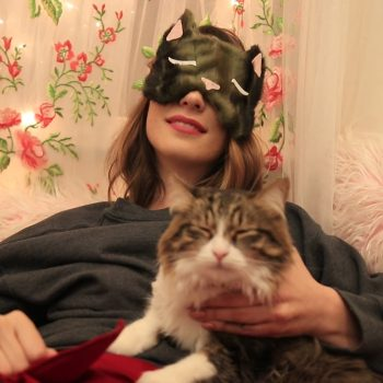This DIY sleeping mask is purrfect for your next cat nap