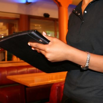 "Twitter is extremely unhappy with this tipping ""trick"" that shorts waiters money"